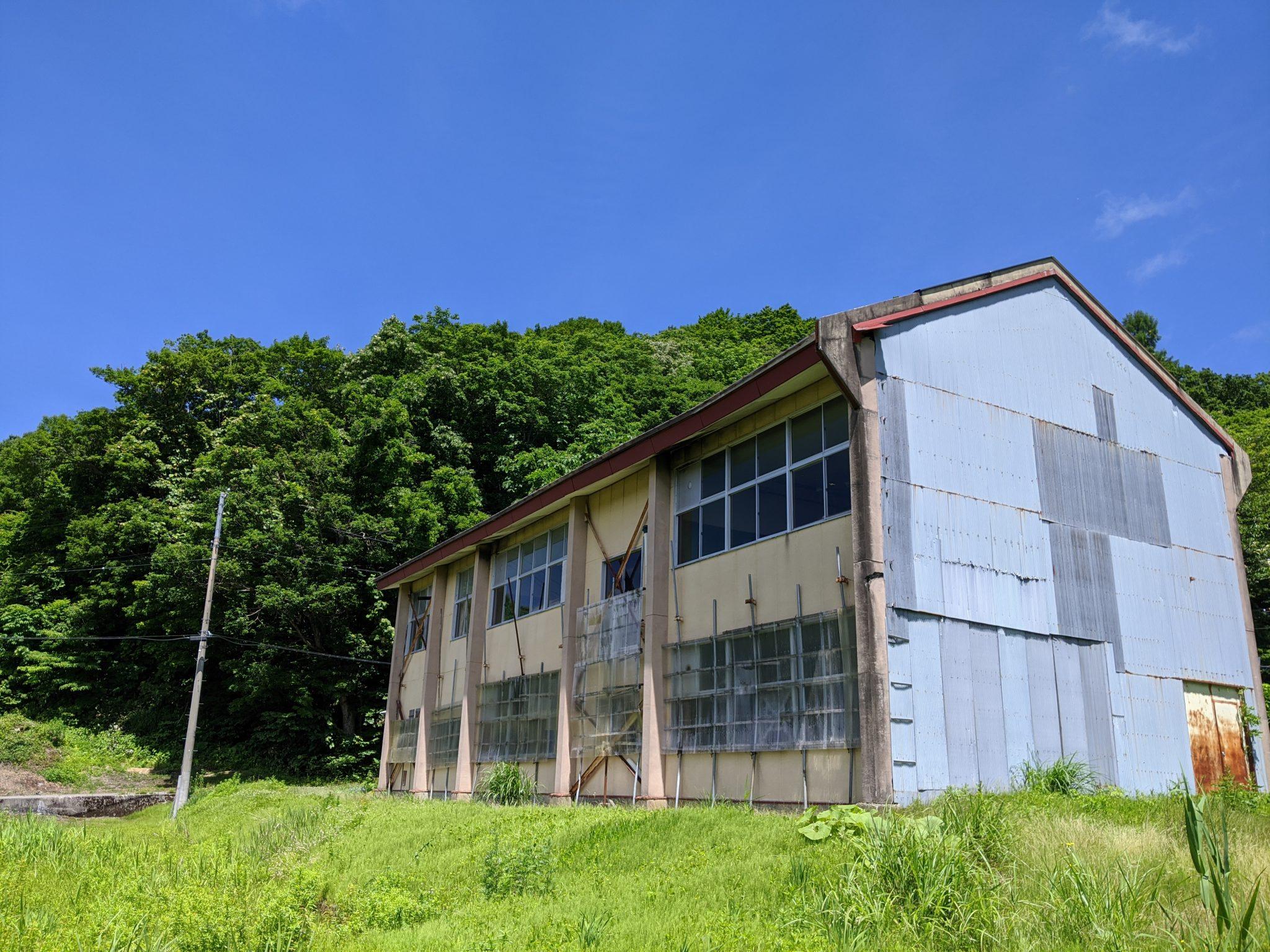 旧百宅小中学校舎